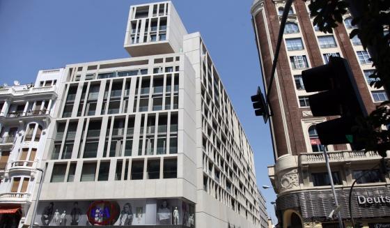 new building in Gran Vía - Architecture in Spain: New building in Gran Vía, Madrid