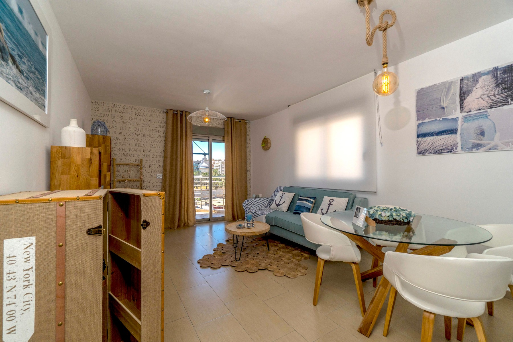 o 1cctdskicl0g58gac7dm0e6m2f - Navy style and sea views in Torrevieja (Alicante)