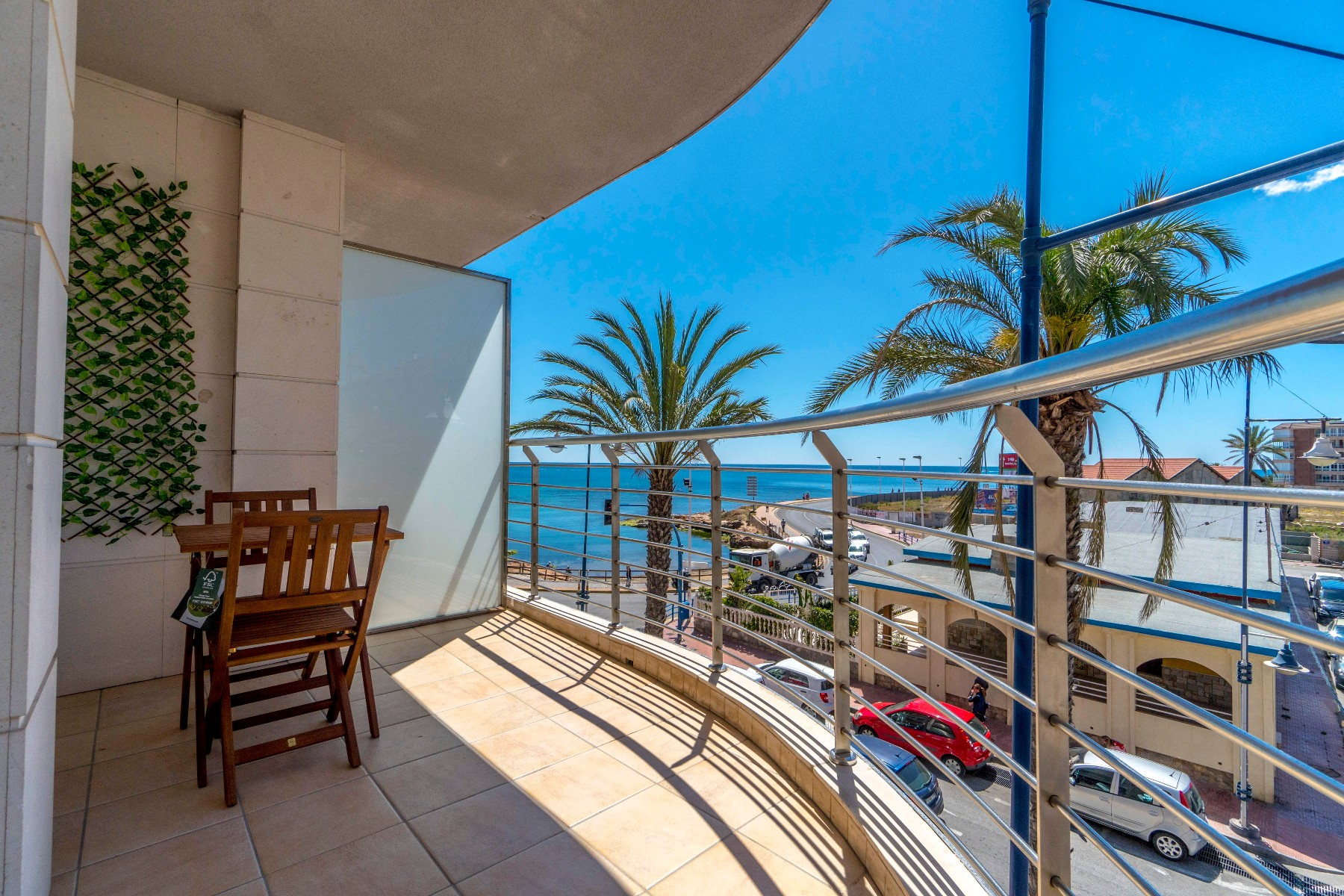 o 1cctdskid1a1h1ip82ktdrflvh2l - Navy style and sea views in Torrevieja (Alicante)