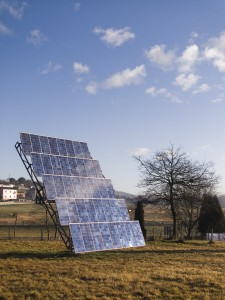 paneles solares 225x300 - Government to tax consumers who store their own renewable energy