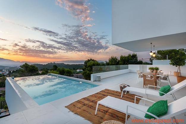 piscina 2 - Luxurious villa in Alicante: luminous and very spacious