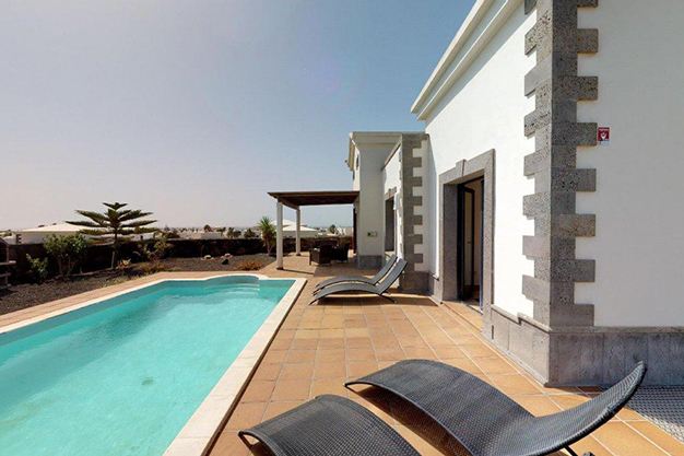 piscina lanzarote - Villa with pool in Lanzarote: panoramic views on a unique island