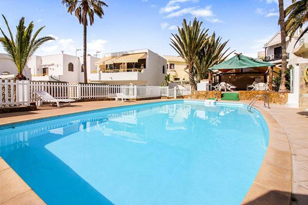 piscina las palmas - Exceptional villa with terraces in Las Palmas: incredible views of the sea and Mount Teide