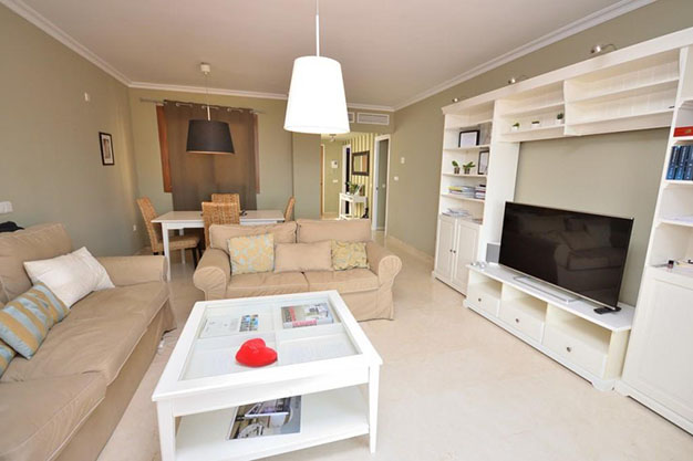 piso 4 1 - Ten Flats for Sale in Marbella Under €200,000: Luxury to Enjoy Nice Weather All Year Round