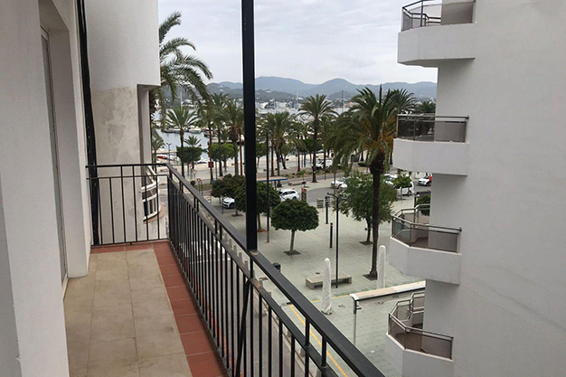 piso 8 - Real Estate Opportunities for Buyers in Ibiza: 10 Apartments for Less Than €200,000
