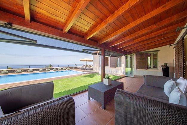 porche 1 - Villa with sea views in Tenerife: your dream home