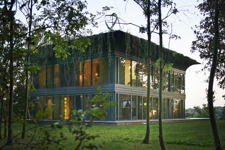 portada Best e - Sustainable housing: Houses which take care of the environment