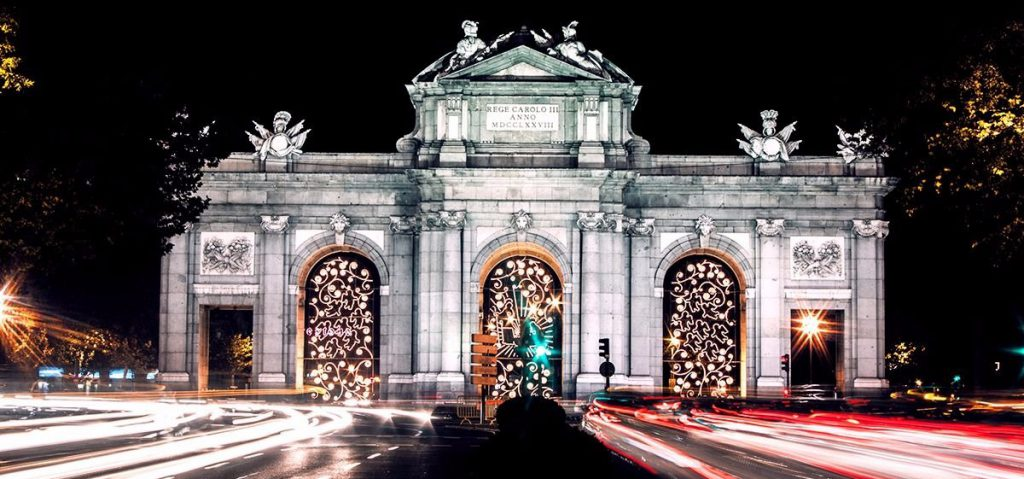 puerta alcala navidad1 1024x479 - The shiniest five cities at Christmas of Spain