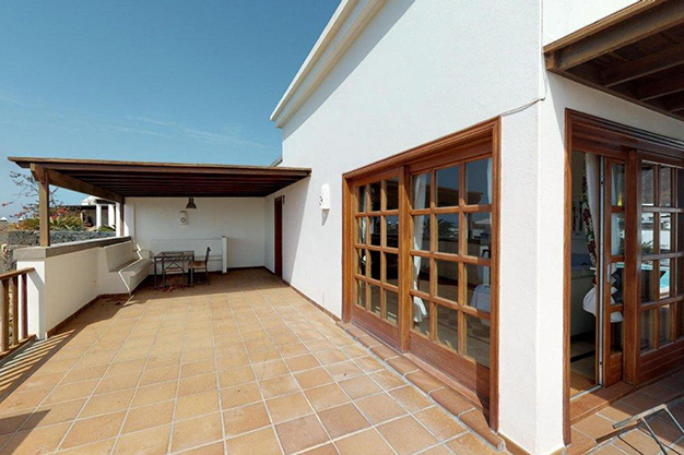 terraza lanzarote - Villa with pool in Lanzarote: panoramic views on a unique island