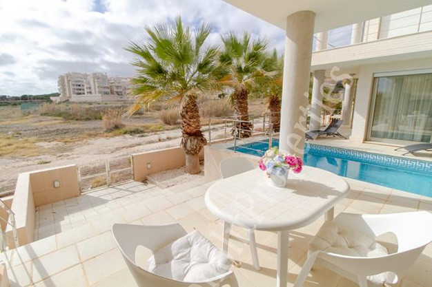 terraza1 1 - This luxury villa next to the sea in Alicante is going to be your dream home