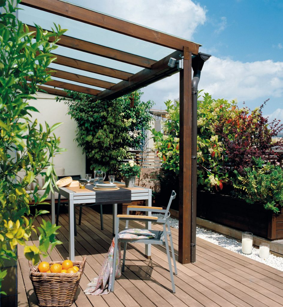 terraza con una pergola de madera 1180x1280 944x1024 - The perfect terrace: How to decorate?
