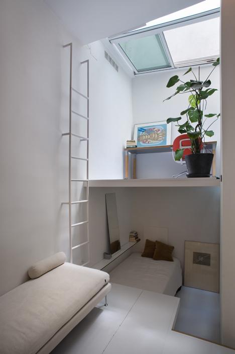 tiny apartment in madrid3