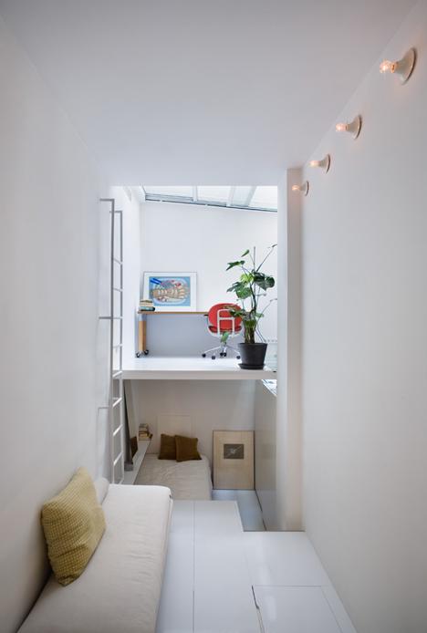 tiny apartment in madrid6