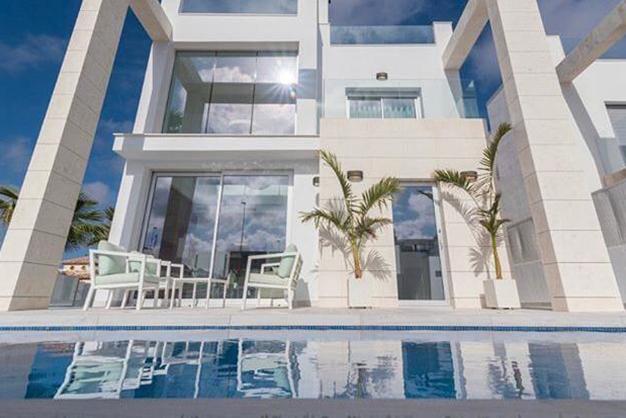 villa Alicante piscina y exterior - Exclusive Villa in Alicante Next to the Beach