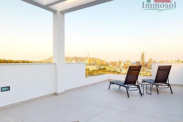 vistas Benidorm - This luxury villa in Benidorm is the perfect house: a pool, garden, solarium and much more